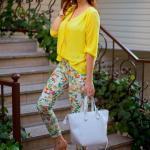 Bayanlar İçin Yazlık Kombinler Beyaz Çiçekli Pantolon Sarı Uzun Kol Gömlek Turuncu Stiletto Ayakkabı