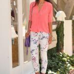 Bayanlar İçin Yazlık Kombinler Beyaz Çiçekli Pantolon Yavruağzı Uzun Kol Gömlek Mor Stiletto Ayakkabı