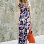 Çiçek Desenli Bayan Tulum Modelleri Lacivert Askılı V Yakalı Fırfırlı Çiçek Desenli Kahverengi Dolgu Topuk Ayakkabı