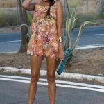 Çiçek Desenli Bayan Tulum Modelleri Turuncu Askılı Kolsuz Çiçek Desenli Krem Dolgu Topuk Ayakkabı