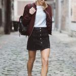 2019 İlkbahar Kombinleri Siyah Kısa Kot Etek Beyaz Bluz Bordo Bomber Ceket Beyaz Spor Ayakkabı