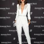 2019 Bayan Takım Elbise Kombinleri Beyaz Cepli Kalem PAntolon Uzun Kemerli Ceket Vizon Stiletto Ayakkabı Gri Abiye Çanta