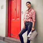 2020 Ekose Gömlek Kombinleri Siyah Deri Pantolon Kırmızı Ekose Desenli Gri Gümüş Stiletto Ayakkabı