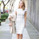 2019 Kıyafet Kombinleri Beyaz Kısa Ekose Desenli Kalem Elbise Krem Stiletto Ayakkabı