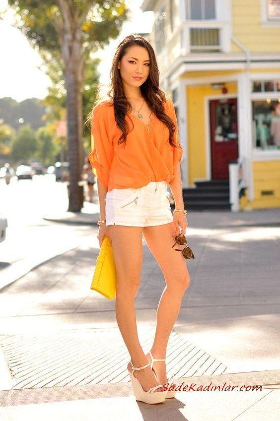 Yazlık 2020 Turuncu Kıyafet Kombinleri Beyaz Kısa Şort Turuncu Gömlek Krem Dolgu Topuk Ayakkabı