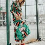 2020 Yaz Stili Uzun Elbise Kombinleri Yeşil Uzun Kruvaze Yaka Uzun Kollu Desenli Elbise Turuncu Topuklu Terlik