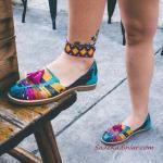 2019 Yazlık Ayakkabı Modelleri Mavi Bilekten Bantlı Desenli Sandalet
