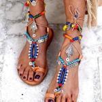 2019 Yazlık Ayakkabı Modelleri Mavi Çapraz Bağcıklı Boncuklu Sandalet