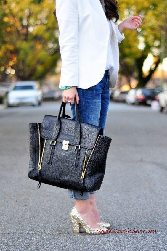 2019 Çanta Kombinleri Lacivert Kot Pantolon Beyaz Bluz Kısa Ceket Gold Stiletto Ayakkabı Siyah El Çantası