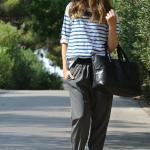 2020 Şalvar Pantolon Kombinleri Siyah Cepli Pantolon Beyaz Çizgili Bluz Siyah Stiletto Ayakkabı