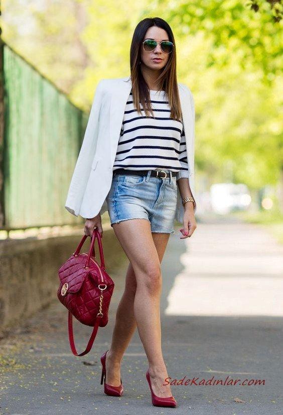 2020 Şort Kombinleri Mavi Kısa Kot Şort Beyaz Çizgili Bluz Beyaz Ceket Kırmızı Stiletto Ayakkabı