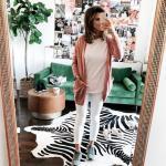 2020 Spor Kombinler Beyaz Kot Pantolon Pembe Bluz Tarçın Rengi Uzun Hırka Yeşil Spor Ayakkabı