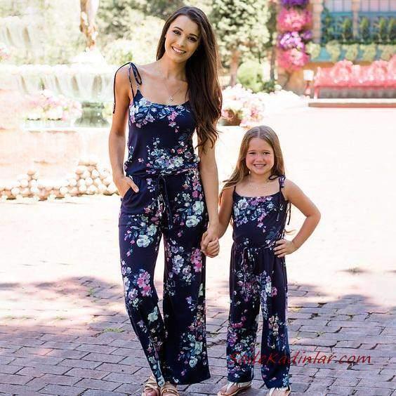 2020 Anne Kız Kıyafet Kombinleri Lacivert Askılı Cepli Çiçek Desenli Tulum