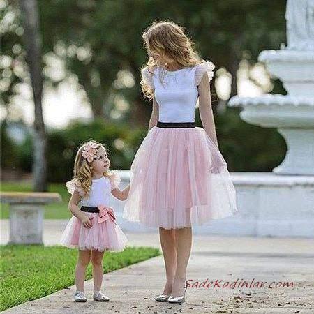 2020 Anne Kız Kıyafet Kombinleri Pembe Midi Tül Etek Beyaz Japone Kol Bluz