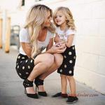 2020 Anne Kız Kıyafet Kombinleri Siyah Puantiyeli Kalem Etek Beyaz Kısa Kollu Bluz