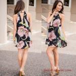 2019 Yazlık Kombinler Siyah Mini Halter Yaka Desenli Elbise Krem Topuklu Ayakkabı