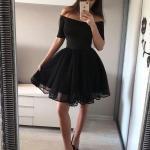 2020 Kısa Kloş Abiye Elbiseleri Siyah Omzu Açık Düşük Kısa Kollu