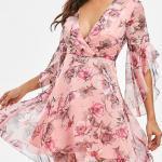 2021 Yazlık Elbise Modelleri Pembe Şifon Mini V Yakalı Uzun Kollu Desenli