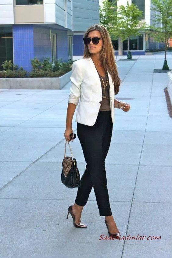 2020 En Şık İş Kıyafetleri Siyah Kalem Pantolon Kahverengi Bluz Beyaz Blazer Ceket Siyah Stiletto Ayakkabı