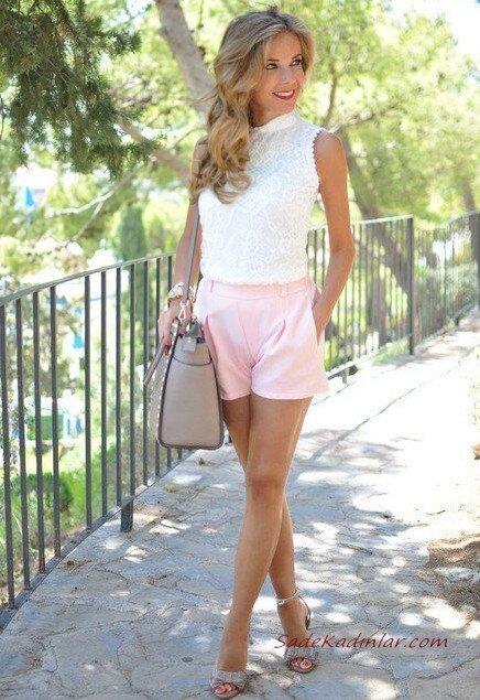 2020 Sokak Modasının En Şık Bahar Kombinleri Pembe Şort Beyaz Bluz Gri Topuklu Ayakkabı Vizon Omuz Çantası
