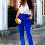 2020 Sokak Modasının En Şık Bahar Kombinleri Saks Mavi Pantolon Beyaz Gömlek Krem Topuklu Ayakkabı Sarı El Çantası