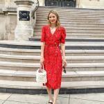 2020 Yazlık Kombinler Kırmızı Midi Kısa Kollu V Yakalı Desenli Elbise Kahverengi Sandalet Ayakkabı
