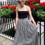 2020 Yazlık Kombinler Siyah Uzun Ekose Desenli Kloş Etek Askılı Bluz Terlik