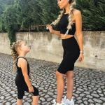 2020 Anne Kız Kombinleri Siyah Tayt Askılı Bluz Beyaz Spor Ayakkabı