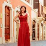 2020 Düğün Elbise Modelleri Bordo Uzun Askılı V Yakalı Tül Etekli