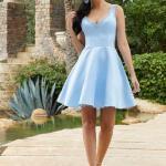 2020 Gece Elbise Modelleri Bebek Mavisi Mini Askılı V Yakalı Kloş Etekli