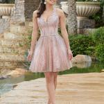 2020 Gece Elbise Modelleri Pembe Mini Askılı V Yakalı Kloş Etekli Payetli