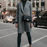 2020 Gri Kıyafet Kombinleri Siyah Pantolon Kazak Gri Kaşe Kaban Siyah Stiletto Ayakkabı