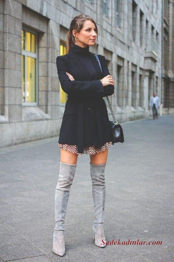 2020 Kış Kombinleri Pembe Mini Desenli Etek Siyah Kazak Kaşe Ceket Gri Uzun Nubuk Topuklu Bot