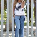 2020 Pantolon Kombinleri Mavi Bol Kesim Kot Pantolon Beyaz Kolsuz Çizgili Bluz Gold Topuklu Ayakkabı
