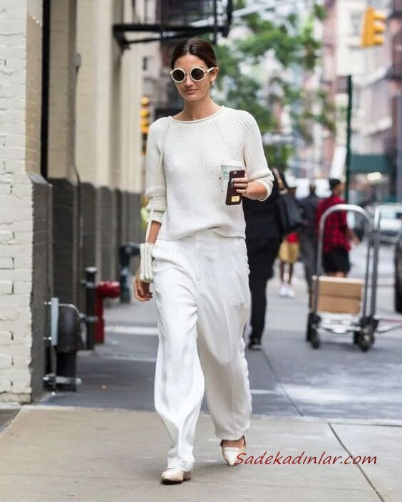 2020 Beyaz Pantolon Kombinleri Beyaz Bol Kesim Pantolon Uzun Kollu Kazak Babet Ayakkabı