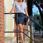 2020 Deri Etek Kombinleri Siyah Mini Deri Etek Gri Kısa Kollu Bluz Siyah Ayakkabı