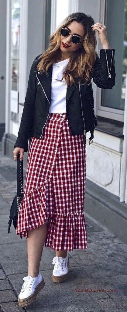 2020 Etek Kombinleri Kırmızı Midi Ekose Desenli Fırfırlı Etek Beyaz Bluz Siyah Ceket Beyaz Ayakkabı