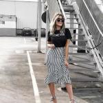 2020 Etek Kombinleri Siyah Midi Çizgili Fırfırlı Etek Kısa Kollu Tişört Desenli Topuklu Ayakkabı