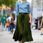 2020 Etek Kombinleri Yeşil Uzun Pileli Etek Mavi Kazak Topuklu Ayakkabı