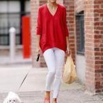 2020 Günlük Kombinler Beyaz Pantolon Kırmızı V Yakalı Kazak Yavruağzı Babet Ayakkabı