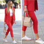 2020 Günlük Kombinler Kırmızı Kalem Pantolon Beyaz Blız Kırmızı Ceket Beyaz Spor Ayakkabı