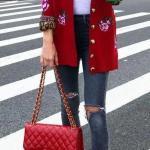 2020 Günlük Kombinler Lacivert Yırtık Kot Pantolon Beyaz Kazak Kırmızı Uzun Desenli Hırka Stiletto Ayakkabı