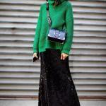 2020 Kıyafet Kombinleri Siyah Uzun Pullu Etek Yeşil Boğazlı Kazak