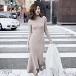 2020 Örgü Elbise Modelleri Vizon Midi Boğazlı Asimetrik Etekli