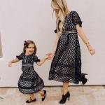 2020 Anne Kız Elbise ve Kıyafet Kombinleri Siyah Midi Kısa Kollu Kafes Desenli Elbise