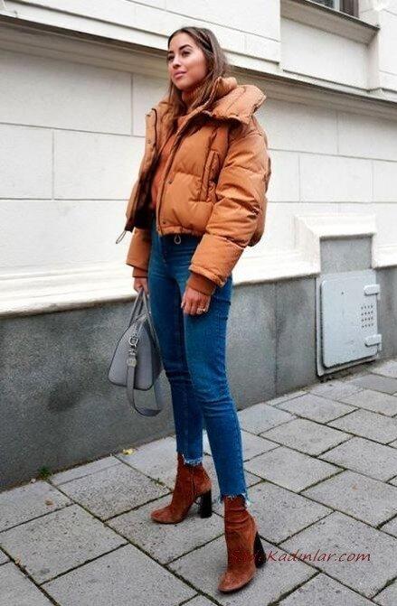 2020 Kışı İçin Kısa Mont Kombinleri Lacivert Skinny Kot Pantolon Taba Boğazlı Kazak Mont Topuklu Ayakkabı