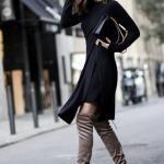 2020 - 2021 Kış Modasının En Şık Kombin Önerileri Siyah Midi Yandan Yırtmaçlı Triko Elbise Vizon Uzun Topuklu Çizme