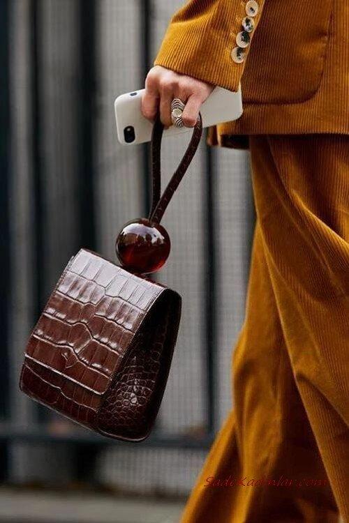 2020 Bayan Deri Çanta Modelleri Kahverengi Kare Desenli Boncuk Detaylı