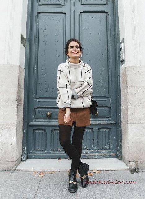 2020 Bayan Ekose Kazak Kombinleri Kahverengi Mini Etek Krem Boğazlı Ekose Desenli Kazak Siyah Kısa Topuklu Bot