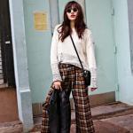 2020 Bayan Ekose Pantolon Kombinleri Kahverengi Bol Kesim Pantolon Krem Kazak Beyaz Desenli Spor Babet Ayakkabı
